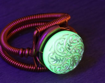 Uranium Glass Ring