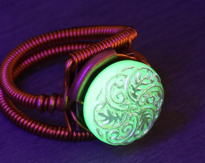 Uranium Glass Ring