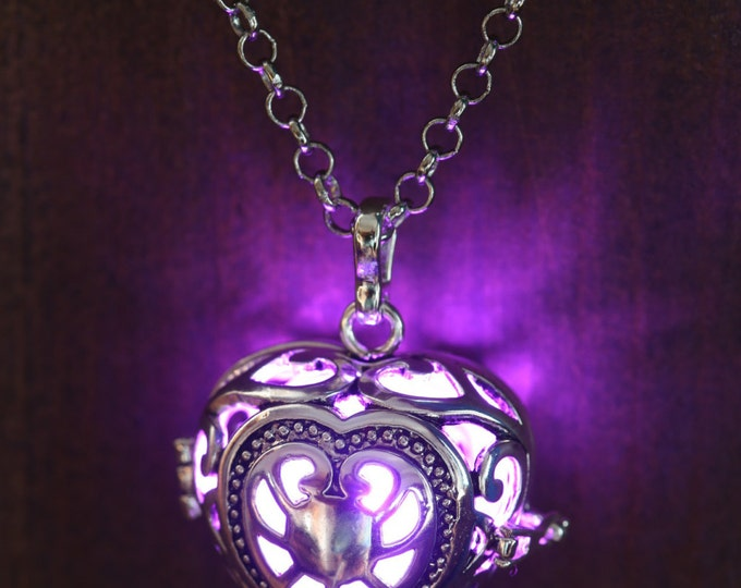 Heart Pendant Heart Jewellery Glowing Necklace - Glowing Purple Heart- Lovely Valentine Gift for Her - LED jewelry