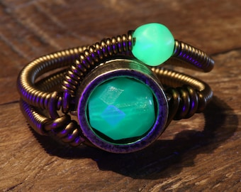 Uranium Glass Ring, Mint green Vaseline stone, Steampunk Style
