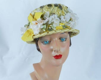 Vintage 1960s Hat Pale Yellow Straw Cloche with Silk Florals by Alyce