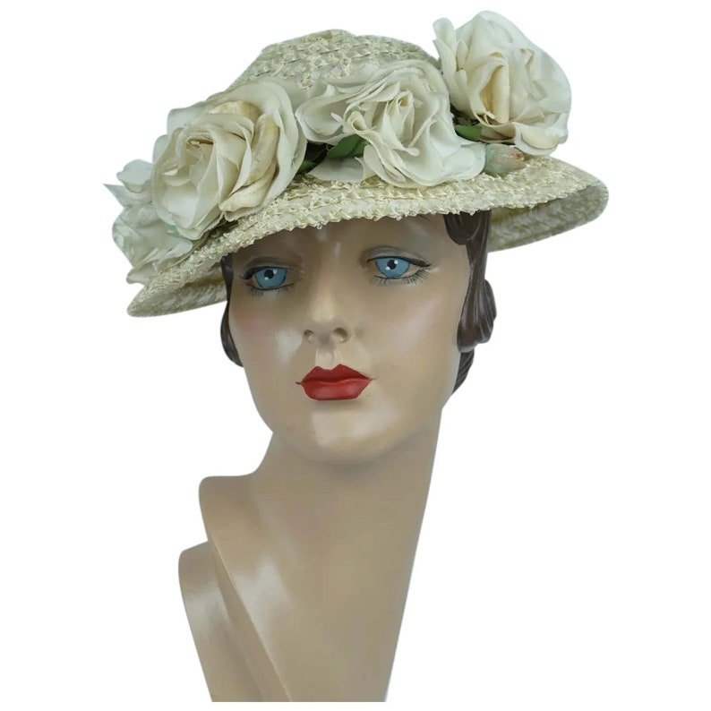 389cd1449 1960s Vintage Hat, Ivory Straw Brimmed Cloche w/ Silk Flowers, The Hat  Rack, Sz 20