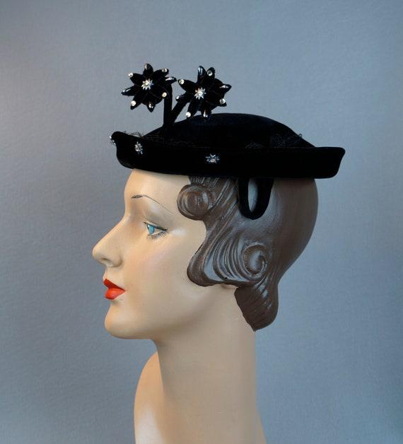 Vintage Hat, 1950s Black Beret, Structured Velour