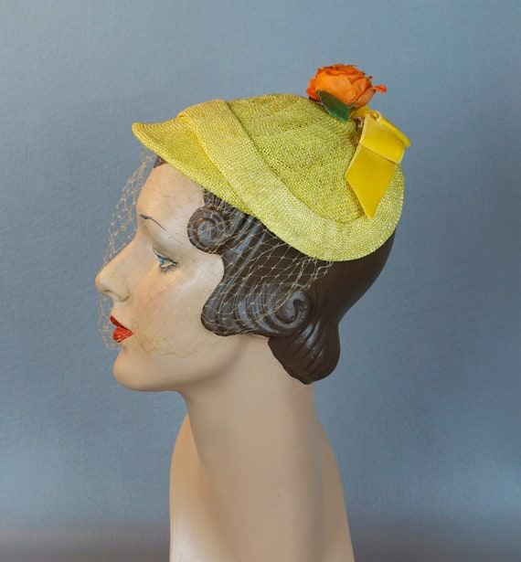 Vintage Hat, 1950s Yellow Straw Beret, Veiled Clos