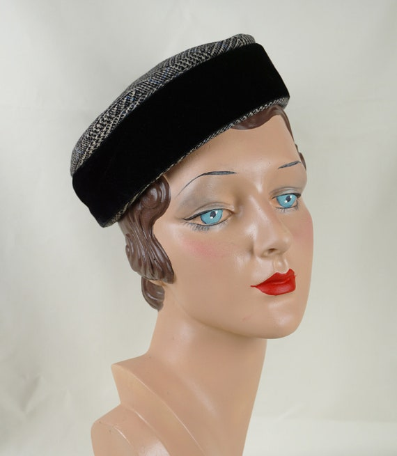 Vintage Hat, 1960s Pillbox, Shallow Pillbox Hat, H