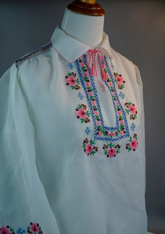 Embroidered Blouse, Vintage Blouse, Embroidered Pe