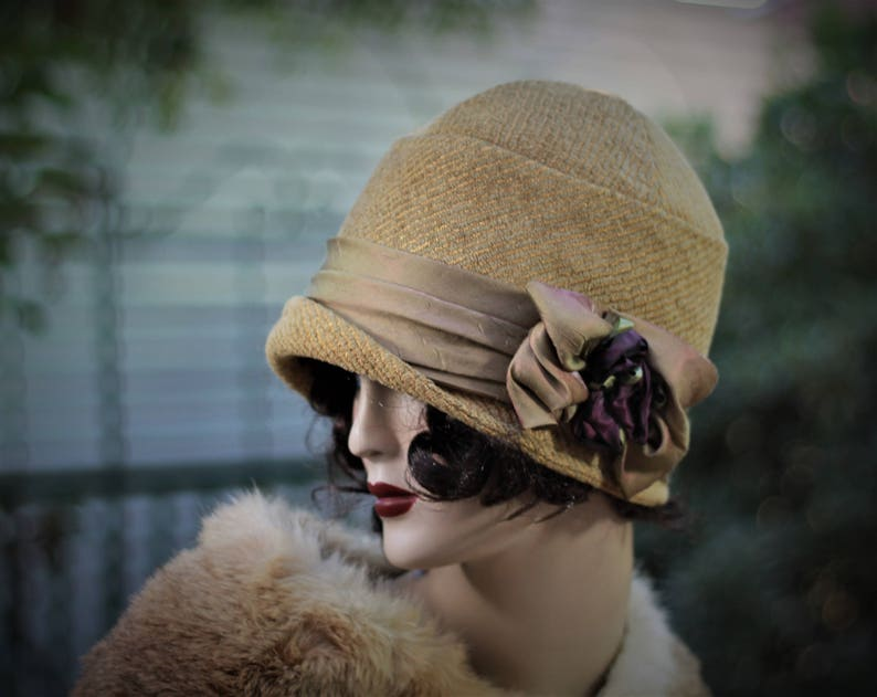 e4fe6f1d0 Vintage Style Winter Fabric Cloche Hat Downton Abbey Size Large 20s Great  Gatsby Flapper Mustard Olive Green