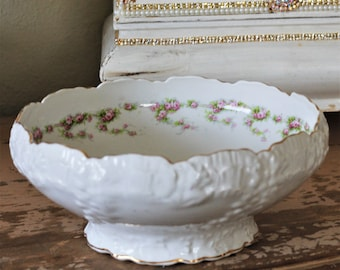 Vintage Ceramic Round Vegtable Buffet Dish Pedestal Serving Bowl Scalloped Gold Edge Pope Gosser Floral Rose Shabby Chic French Country