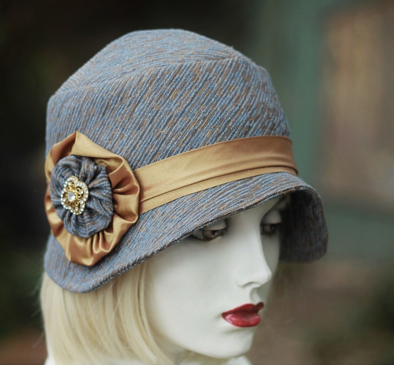 Womens Winter Hat 20s Vintage Style Roaring Twenties Cloche  718e6506157e