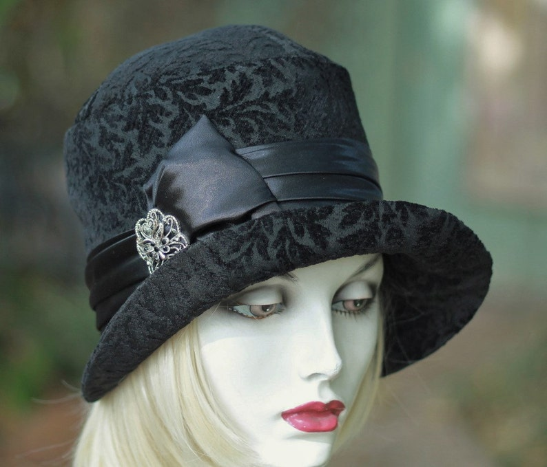 20s Cloche Hat Great Gatsy Flapper Plush Black Fabric Dressy  557120f1fe78