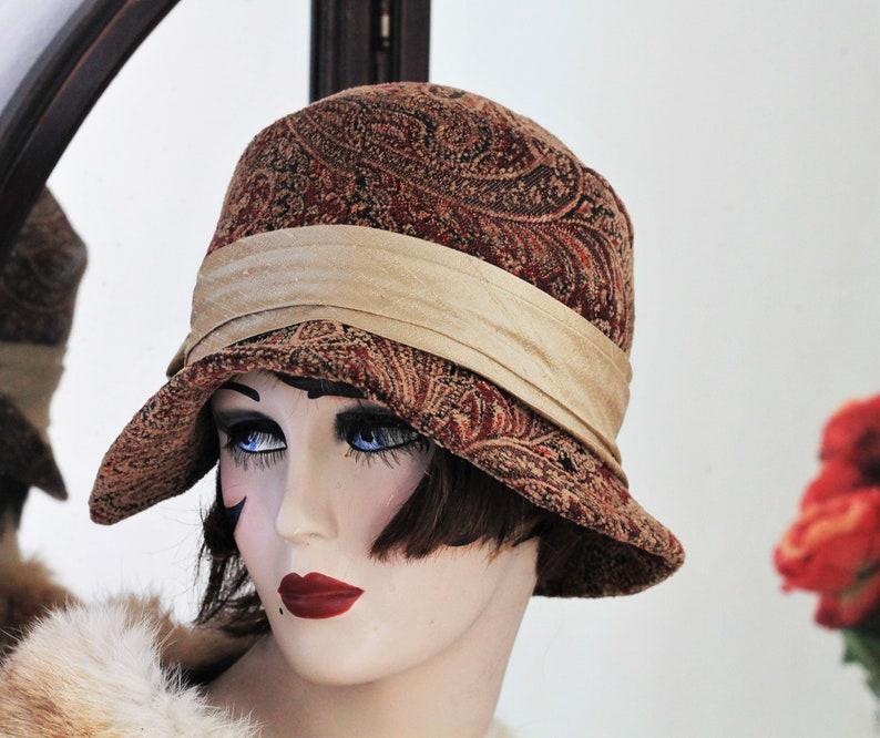 8a758ecdf7895 Womens Hat 20s Vintage Style Roaring Twenties Cloche Flapper image 0 ...