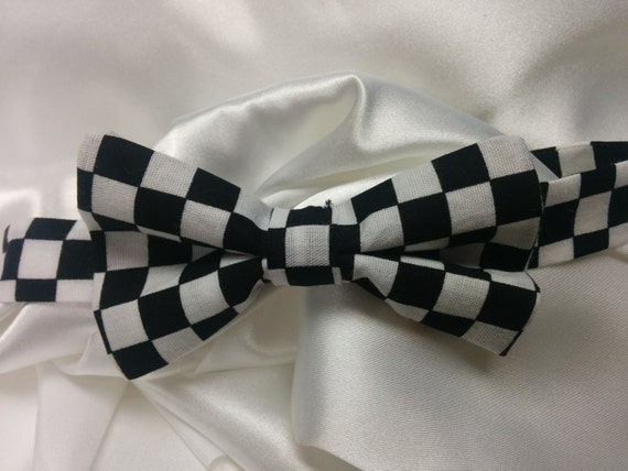 Damask Bowtie  Men Black White Bow Tie Wedding Bridal Groomsmen Usher Groom