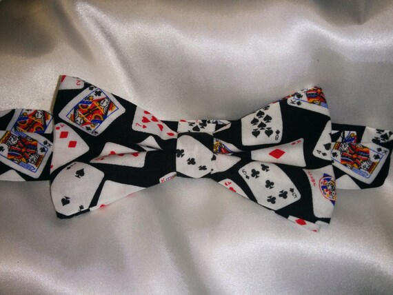 FREE GIFT BAG Men/'s Wear Black Bow Tie Playing Cards Poker Wedding Ball Party