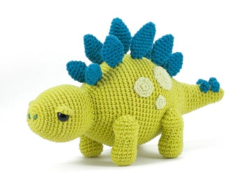 Toby the Stegosaurus - Dinosaur Amigurumi crochet pattern - Make a cute toy yourself