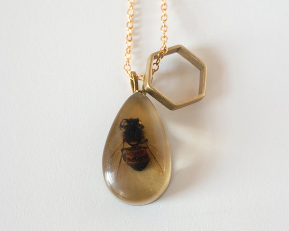 5 Styles Chain Included Round Shape Honeycomb Honey Bee Pendant Necklace Adjustable Length Handmade Jewelry