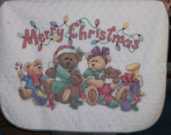 Vintage Style  HAND EMBROIDERED Christmas Teddy Bears Quilt