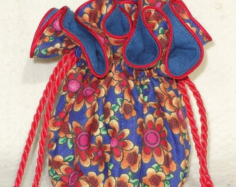 094d7fa05c8 Anti Tarnish Jewelry Pouch in Posh Posies in red and blue