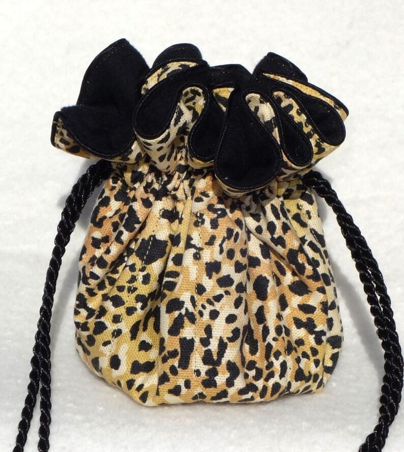 Anti tarnish jewelry pouch in Cheetah