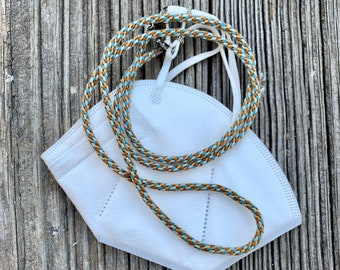 Tweed or Stripe Lanyard Kit converts to a Necklace with a Glass Snake. Kumihimo 8-strand & 16-strand set ups included. Color choices.