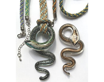 Glass Snake Necklace/Lanyard Kit. Kumihimo 8-strand & 16-strand set ups included. Choice of colors.