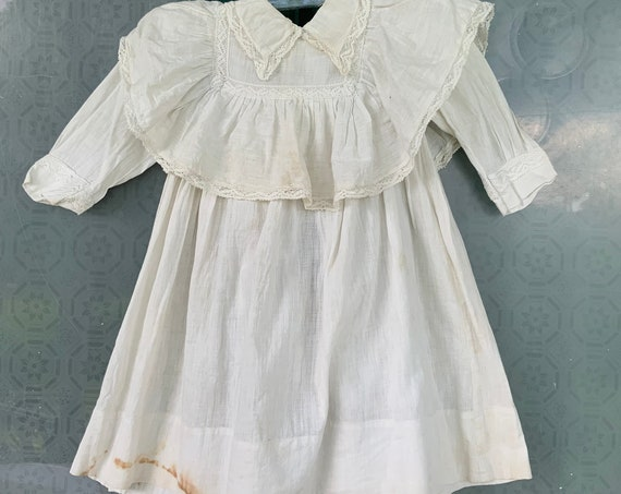 Victorian Edwardian Vintage Childs White Cotton Lawn Dress with Lace Trim