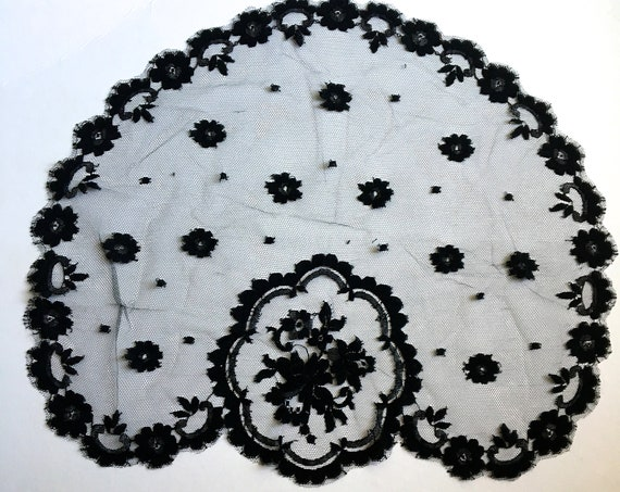 Victorian Black Chantilly Lace Head Cover Mantilla Veil 1800s