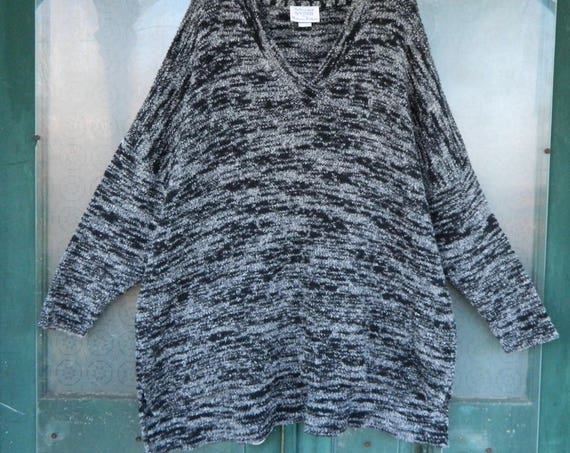 Stephanie Schuster Slouchy V- Neck Pullover Sweater -OS- Black & White Cotton/Rayon