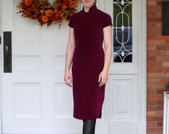Vintage Slim & Sleek Asian Wiggle Dress Plum Purple Velvet Satin