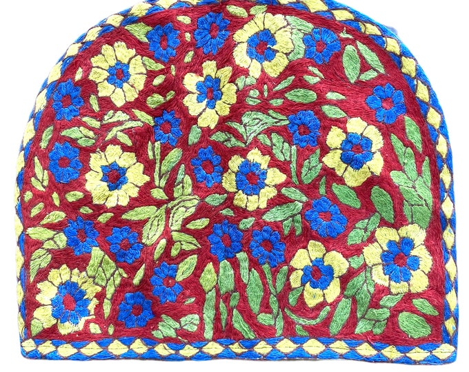 Vintage Satin Stitch Embroidered Cozy Bag