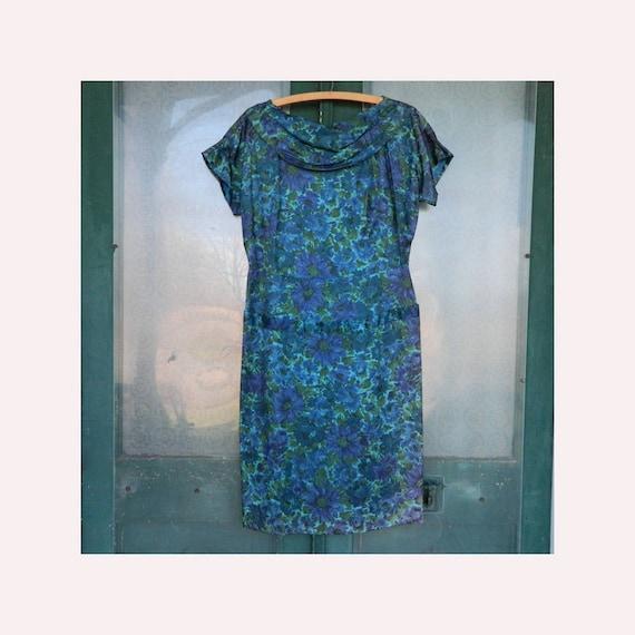 Vintage 1950s Short-Sleeve Scarf-Neck Dress M/L Blue Green Floral