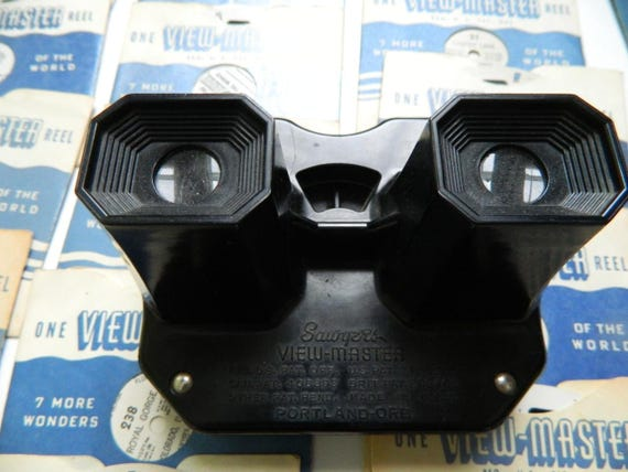 1940s Vintage Sawyer's Viewmaster and 44 Reels