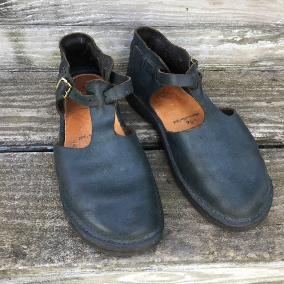 Aurora Shoes West Indian Style T-Strap 8D Navy Blue Leather