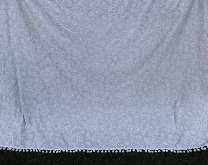 Vintage Hobnail Pale Pink and White Rose Chenille Bedspread Double/Full with PomPom Trim