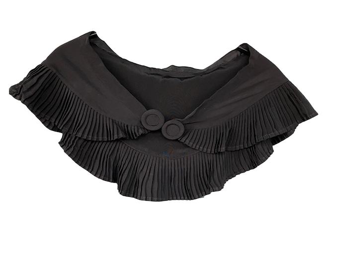 Vintage Black Pleated Collar