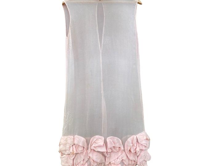 1920s Pale Pink Crepe de Chine Sleeveless Shift Dress with Ruffled Hem