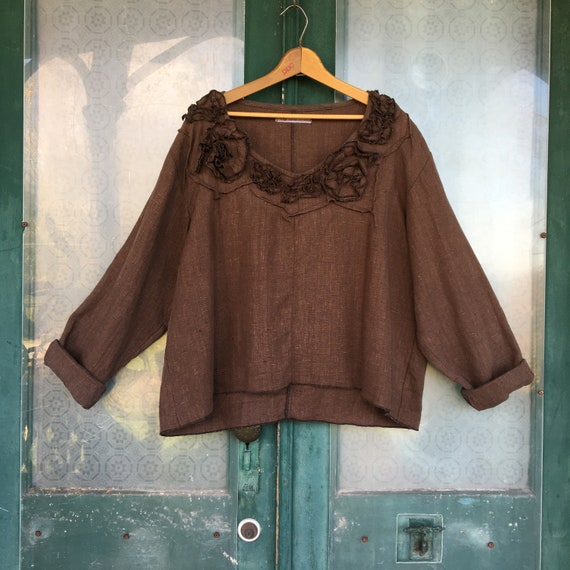 Sarah Clemens Artwear Long Sleeve Swirl Crop Pullover Shirt Chocolate Brown Linen