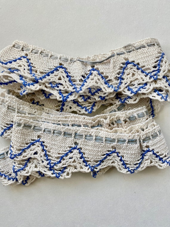 """Vintage Blue and White Petticoat Lace Trim 84"""" x 1 1/4"""" Circular"""