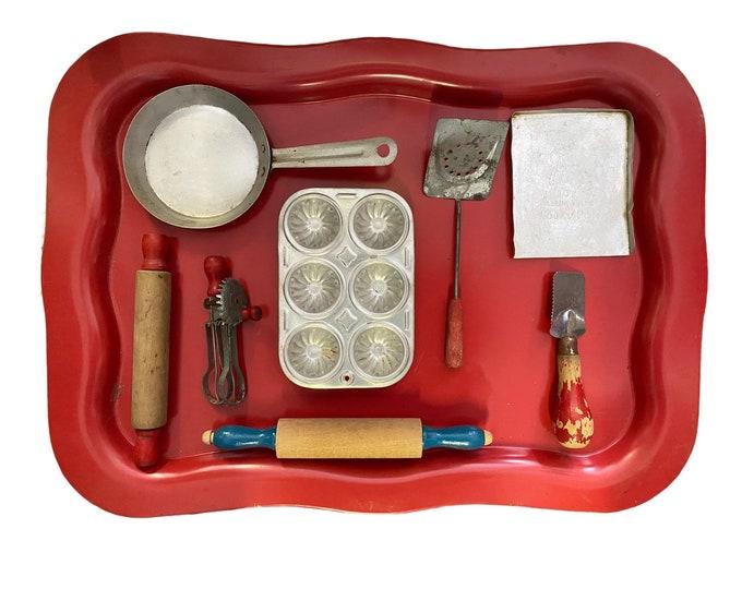 Lot of 8 Vintage Kitchen Utensils and Pans