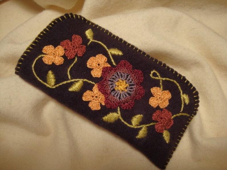 floral vine eyeglass case image 0