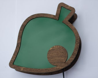 Animal Crossing - green leaf - wall mountable lamp