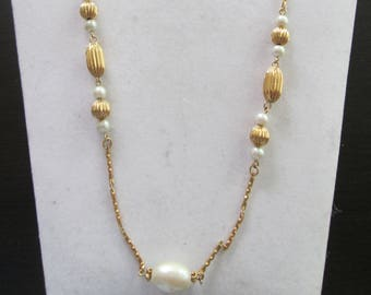1970's Gold Beaded and chain Necklace with faux Pearl accents
