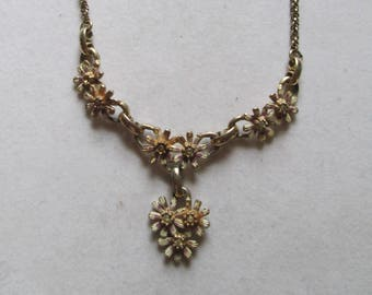 1940's gold linked daisy flower choker necklace