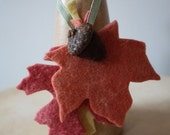 Felted acorn and leaves - Autumn series no. 23