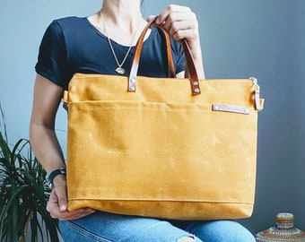 Waxed Weekender canvas Tote Bag in Mustard Yellow / Yellow Mellow | Awesome Top seller