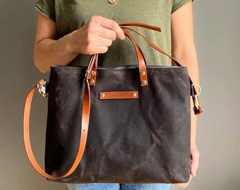 Waxed Canvas Tote -small- in BROWN, for men, for women, unisex tote, fall fashion, rustic, autumn, winter, harvest, carry