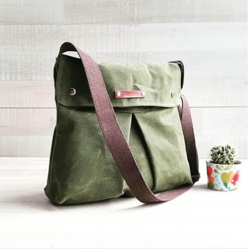 ec8bae1689 Waxed Canvas Messenger bag in Army Green MODULAR