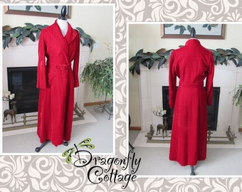 Vintage Sears at Home quilted long robe-dark blue with red trim and white eyelet trim Boho retro Christmas morning comfy long robe.