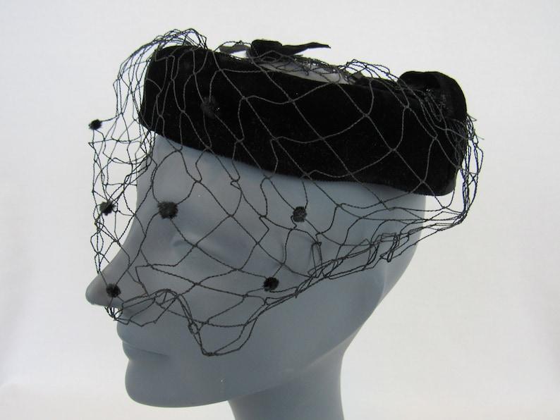 06407c2a5cac8 Black Velvet Open Crown Fascinator Vintage 1950s Womens Hat
