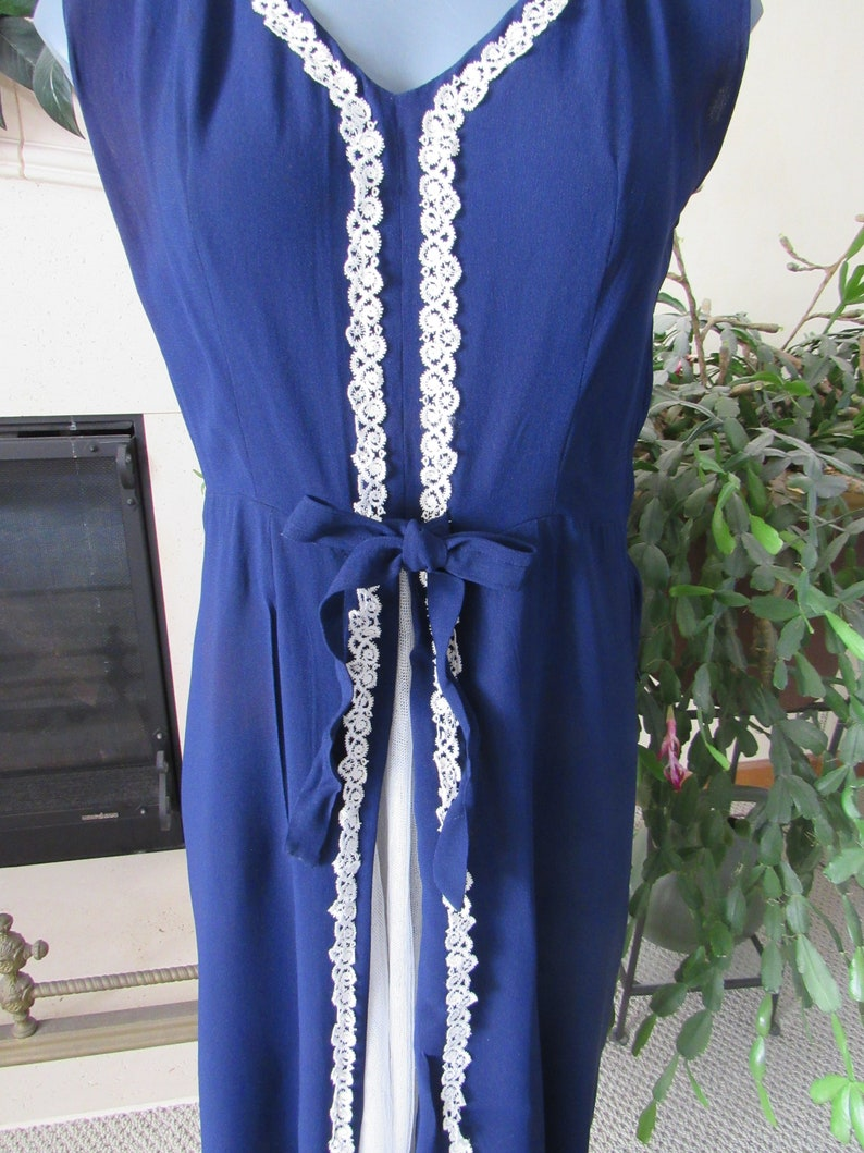 Navy Blue /& White Dress Vintage 1960s Dress with Net Flounce in Front and White Cotton Lace Trim Sleeveless Poly Crepe Summer Frock