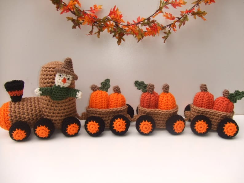 CROCHET PATTERN  Pumpkin Train CV134 Pumpkin Express  PDF image 0
